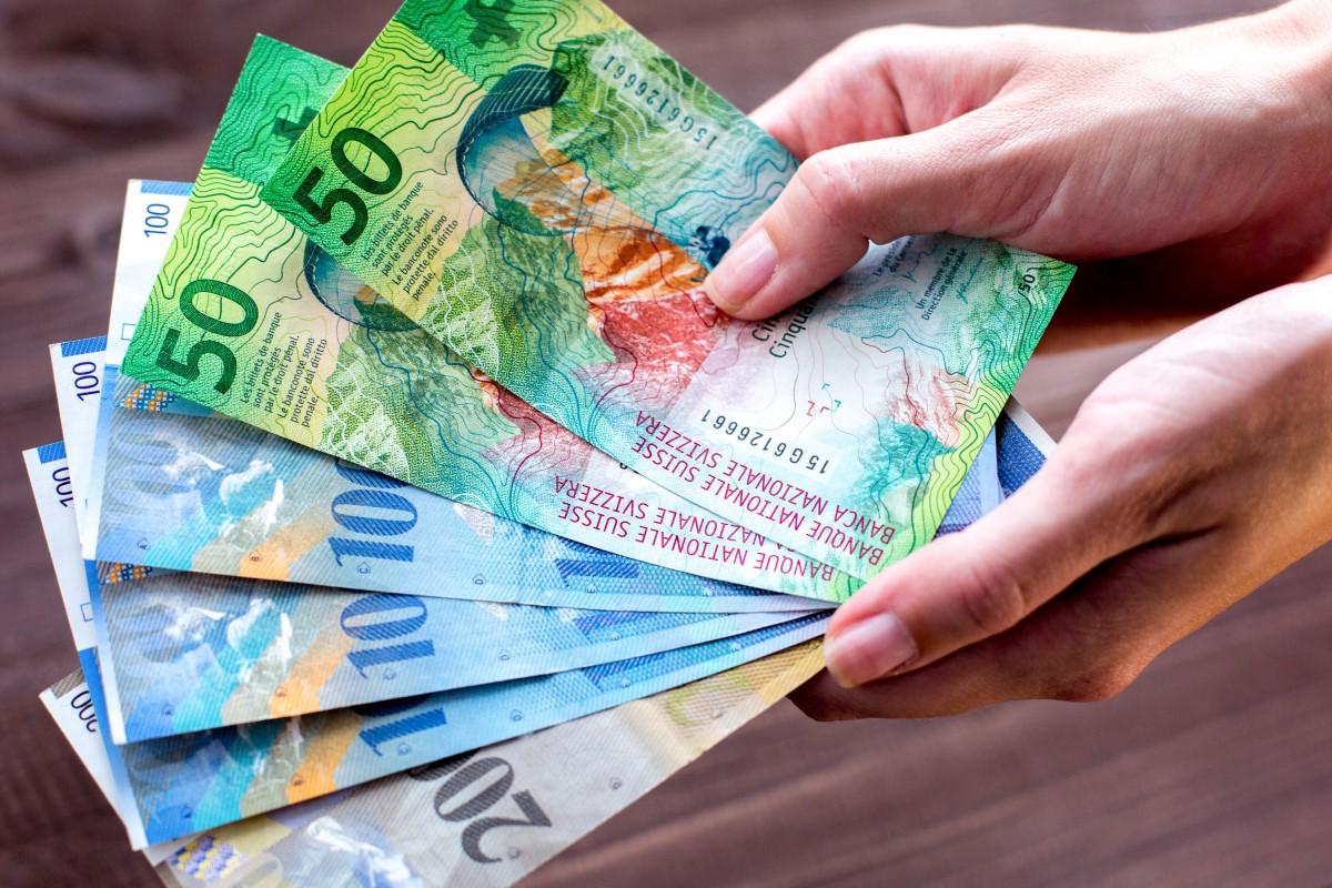 Frankowicze: Przewalutowanie kredytu to koszt 30-234 mld złotych
