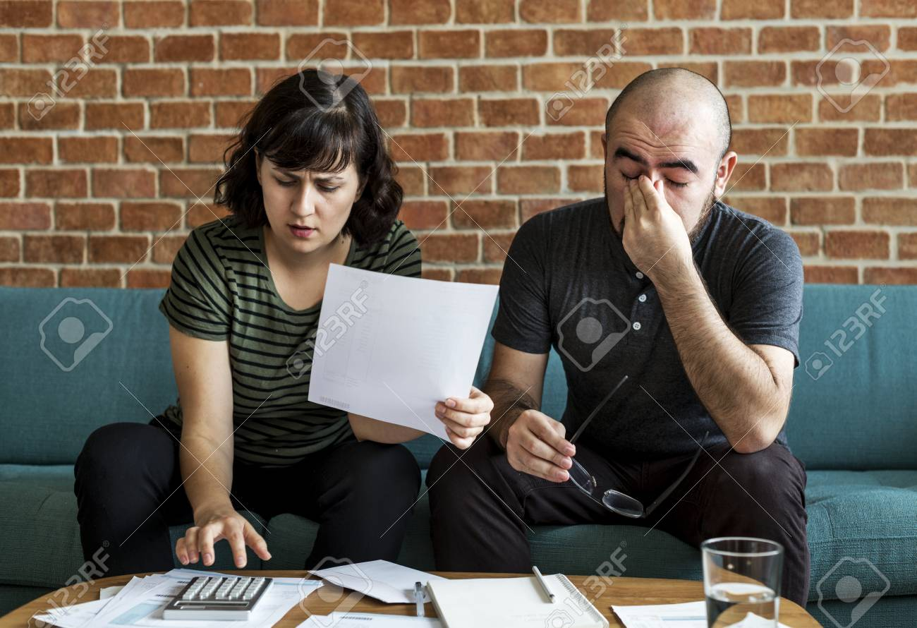 Upadłość konsumencka: czy warto z niej skorzystać?